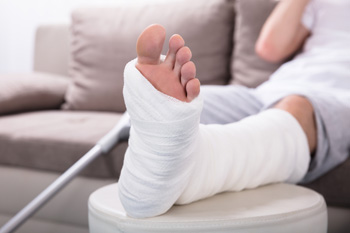 What Are the Signs of a Broken Ankle?